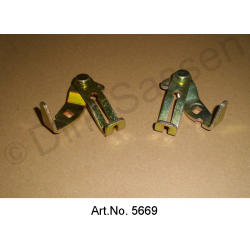 Headlight housing deflection linkage for spotlight, left and right, used in good condition
