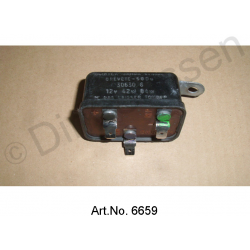 Indicator relay, 4 x 21 watts, from 1969, as new, with 3 flat connectors, rectangular design